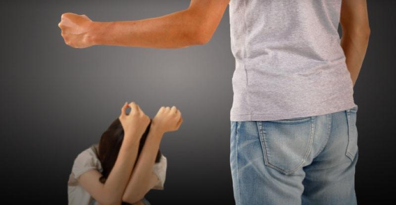 暴力を振るう人は、男も女もなおらない