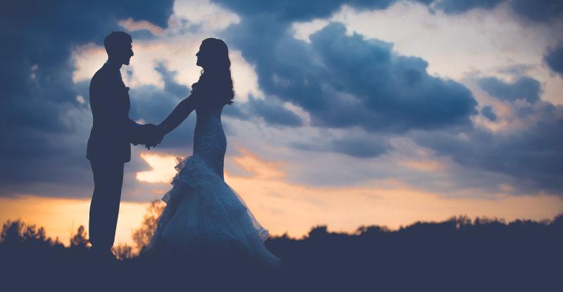 恋愛はどちらかの告白から始まります。