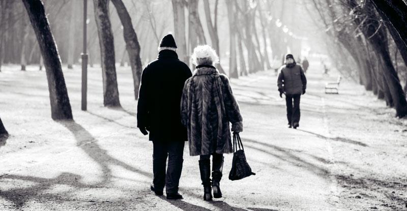 1940年はお見合い結婚が約70%を占め、恋愛結婚は13%という状況でした